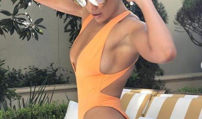 Jennifer Lopez ne može se prestati hvaliti isklesanim tijelom