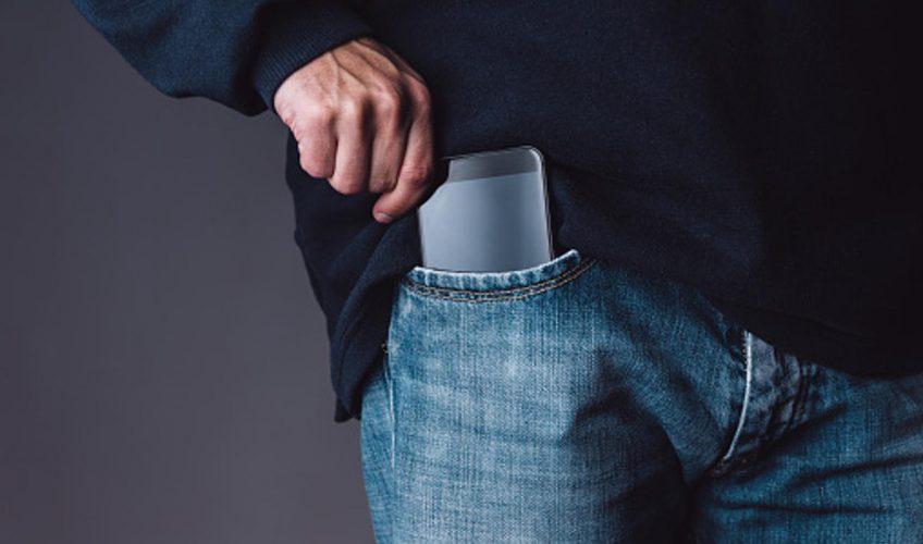 Zbog ovoga vam više neće pasti na pamet držati mobitel u džepu