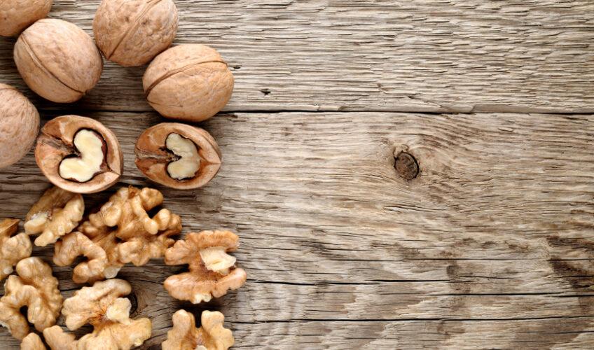 Stručnjaci otkrili: Zašto su orasi jedna od najzdravijih namirnica i treba ih jesti svaki dan