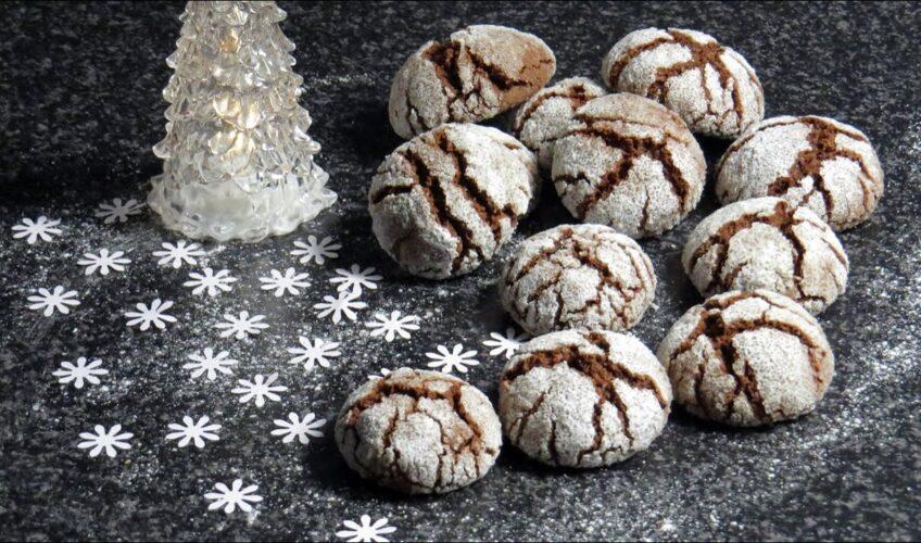 Tko je za čokoladne raspucance? Super recept za božićne keksiće koji uvijek nađu svoje mjesto na blagdanskom stolu