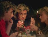 Božićni hit nakon 36 godina prvi je put na vrhu glazbene ljestvice