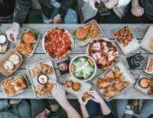 7 neobičnih pravila ponašanja za stolom