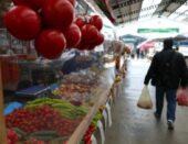 Zavirite u bogatu ponudu voća, povrća i meda na tržnici u Bjelovaru