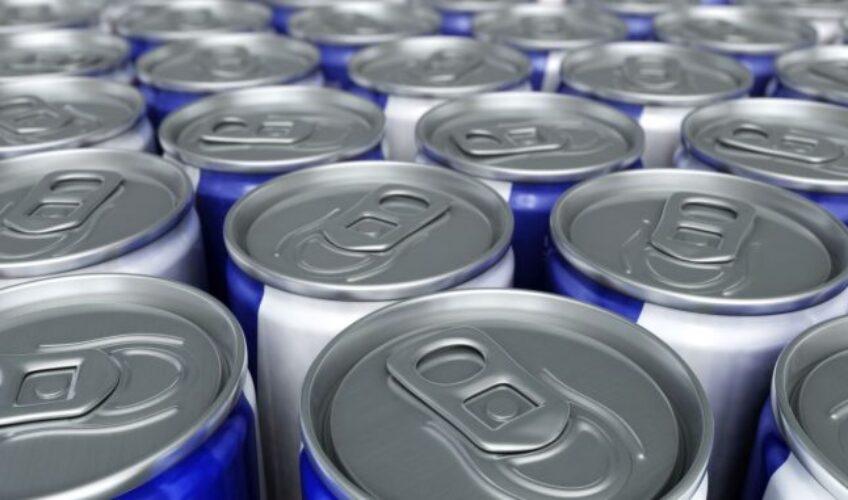 Smrt dječaka koji je popio veliku količinu energetskog pića ponovo otvorila pitanje: Hoće li ih konačno zabraniti djeci?