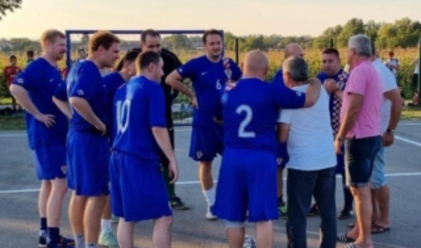 Nogometaši za obnovu crkve u Cigleni – svi se odazvali pozivu župnika Krešimira Žinića